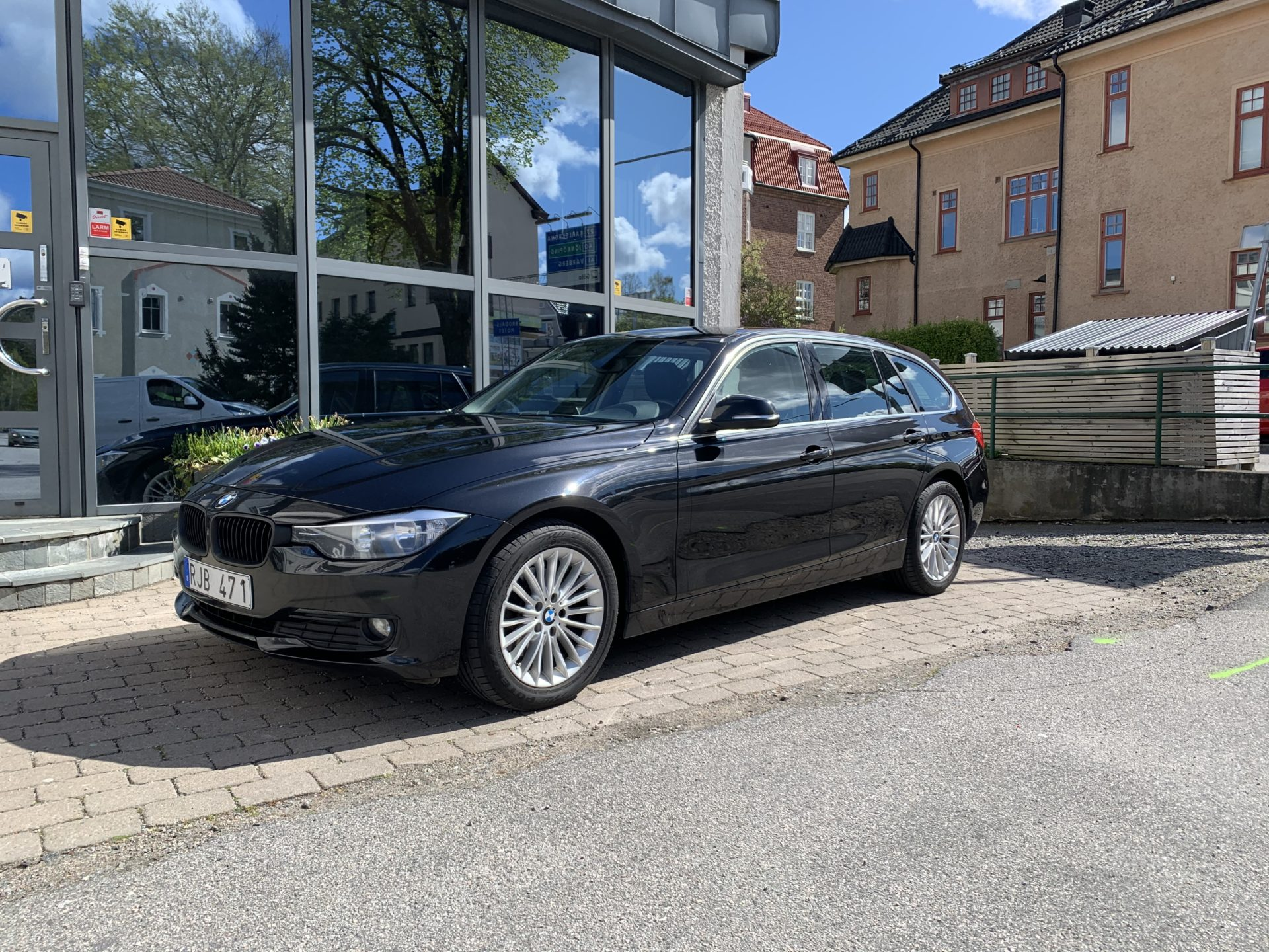 BMW 320 d Touring Luxury Line 184hk