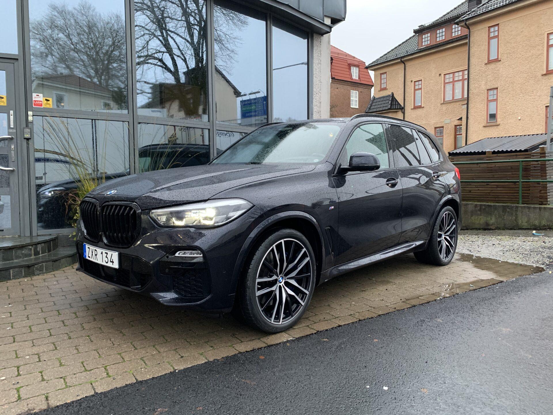 BMW X5 xDrive30d M Sport / Panorama/ Drag / 22″ / Innovation