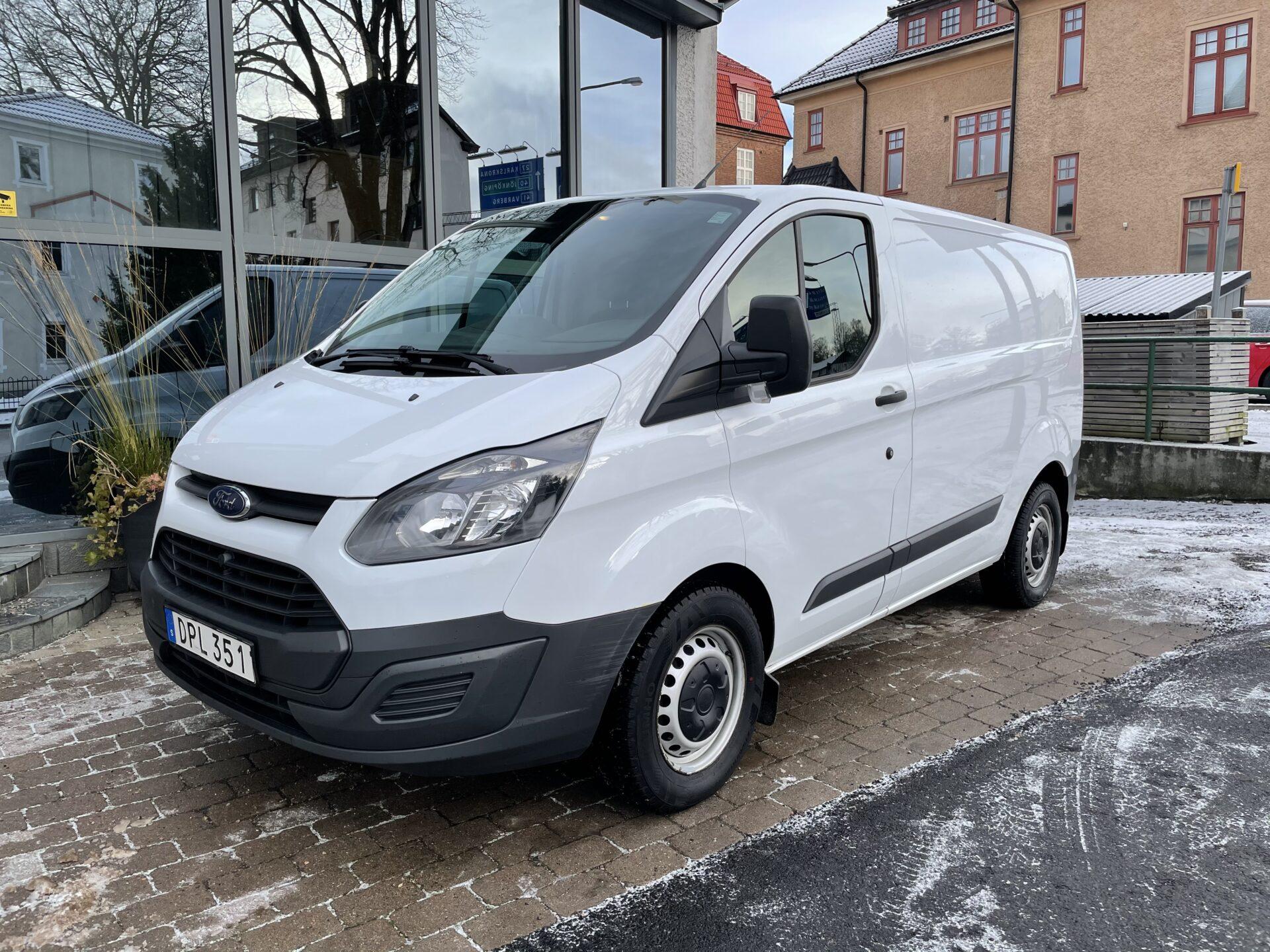 Ford transit custom 2.2 TDCi / Drag /V-hjul/ Leasbar/3 sits