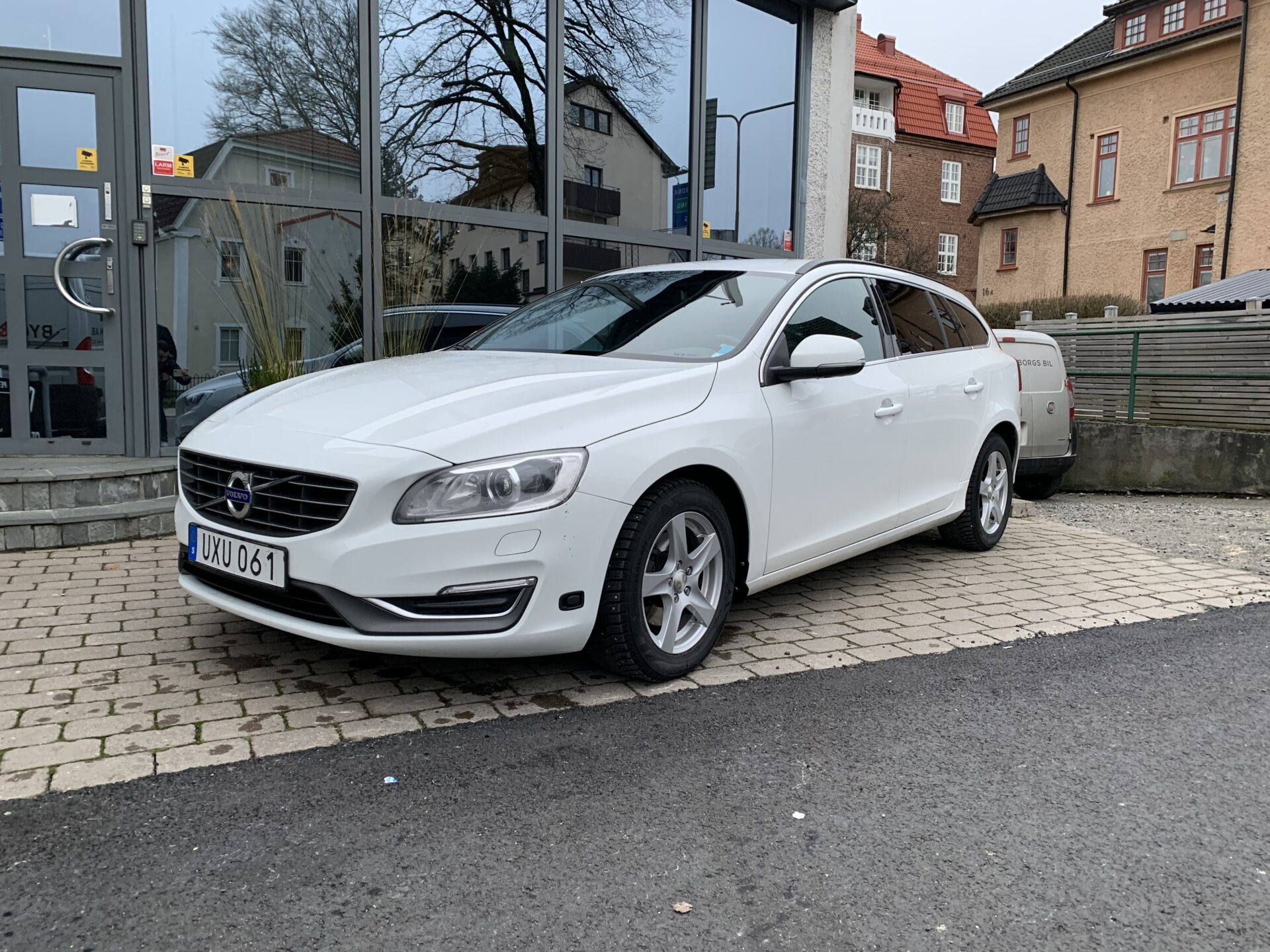 Volvo V60 D3 Momentum Business 136hk /drag / V-hjul