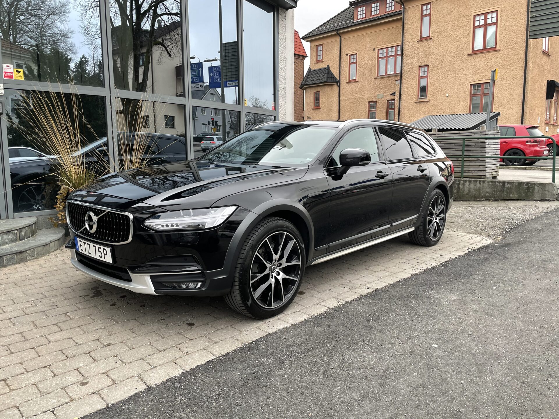 Volvo V90 Cross Country D4 AWD Teknikpaket /Skinn/Drag/20″