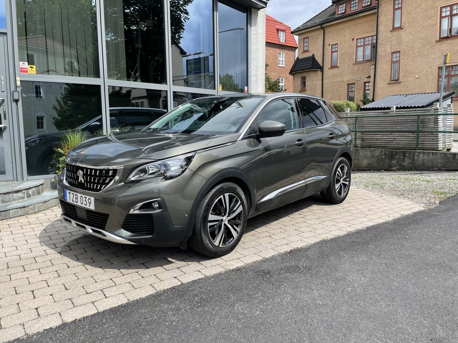 Peugeot 3008 1.2 PureTech allure 130hk